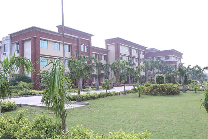 https://cache.careers360.mobi/media/colleges/social-media/media-gallery/17611/2018/12/1/Campus View of Sanskar College of Engineering and Technology Ghaziabad_Campus-View.jpg